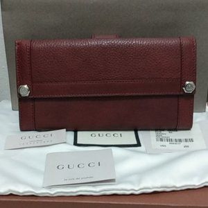 NEW, Gucci Red Calfgrain Continental Wallet